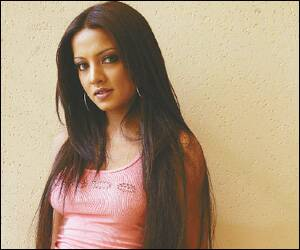 Celina Jaitley complains to police against website