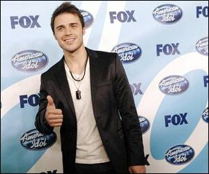 'Ultimate underdog' Kris Allen wins 'American Idol 8'