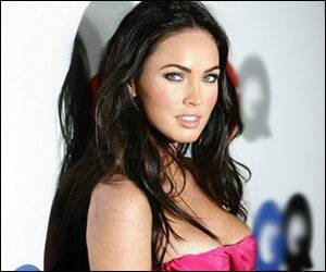 Megan Fox turns host for 'Saturday Night Live'