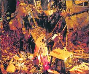 Twin mishaps: gas pipe blast in Dadar,building crash in Central Mumbai