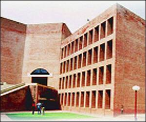 IIM-Ahmedabad to open first overseas extension centre in Dubai