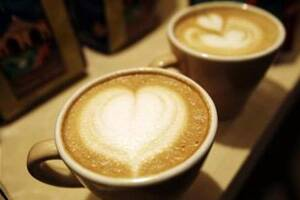 Pregnant women given OK to drink a coffee aday