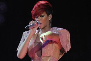 Rihanna's wax figure unveiled atTussauds