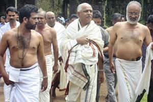 Yeddyurappa seeks divine help to ward off detractors