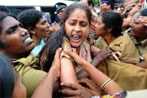 Vijaya Shanthi cheating | The Indian Express