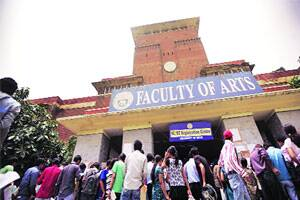 M_Id_219574_Students_queue_up_on_the_first_day_of_admissions_to_Delhi_University_