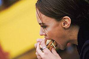 Adolescent eating disorders persist into adulthood