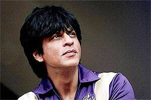 Shah Rukh Khan becomes a millionaire ontwitter