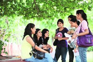 Hindu college to reconsider stand on admission to girlshostel
