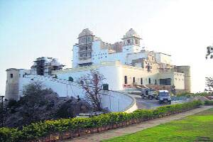 M_Id_228693_Monsoon_Palace_in_Udaipur