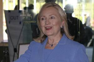Clinton says India strong example of what peace can achieve