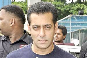 After surgery,Salman to resume shooting in a week