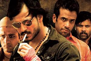 Bollywood,TV face smoking ban again