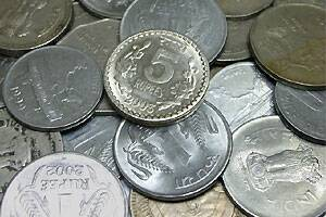 Rupee touches all time low of 53.52/dollar