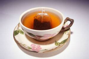 3 cups of black tea a day can cut heart attack risk by60%