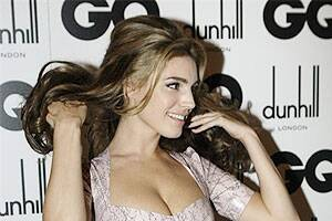 Kelly Brook considers happiness first in arelationship