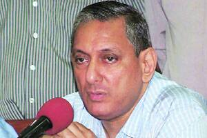 M_Id_263700_Rakesh_Maria_addresses_the_media_Monday.