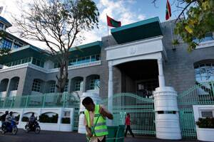 Nasheed rejects police summons; Mathai in Maldives fortalks