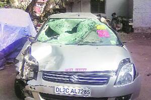 Cleaner takes MEA officer's car for joyride,runs over two men