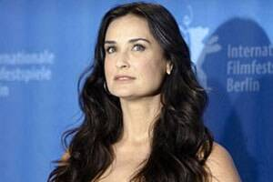 Demi Moore leaves rehab,goes on secret vacation