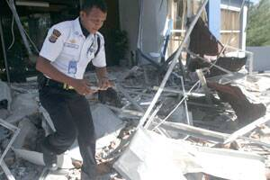 M_Id_281509_Indonesia_earthquake