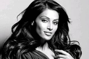 I am single,says Bipasha Basu