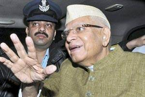 Paternity suit: Congress leader N D Tiwari gives blood sample