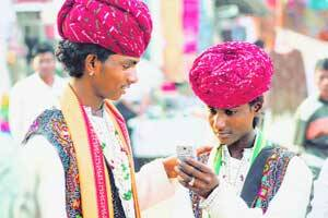Cellphone connections: Rural Gujarat catches up with urbandistricts