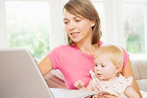 Mothers spend more time on Facebook after delivery: study