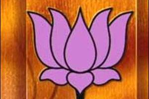 BJP keeps Sangma option open to force contest,PM dialsNitish