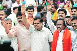 Shettar takes oath,gets 2 deputies