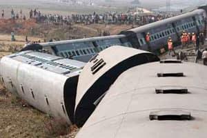 Vidarbha Express collision: 70 seriously injured nearKasara