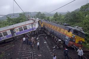 Vidarbha train collision: 12 trains cancelled,manydiverted