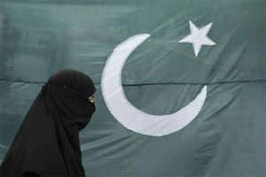UK envoy dubs Pakistan a 'global leader' in visa,passportforgery