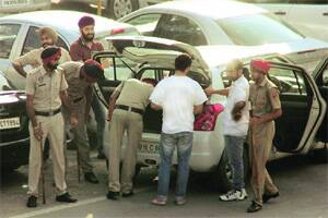 50 rounded up in police crackdown onmiscreants
