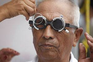 Simple eye test to help detect Alzheimer's in advance