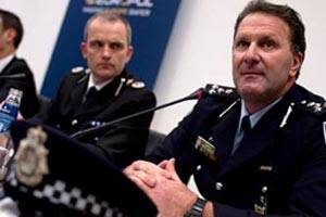 Australia police conduct anti-terror raids in Melbourne