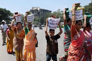 Cauvery protests spill over to Bangalore