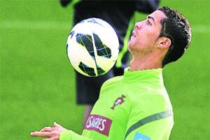 'Centre-back' Ronaldo set for milestone