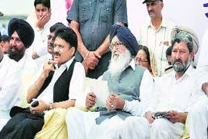 Central cadre row: Badal writes to PM,Home Minister