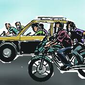 Masked men attack taxi on Marine Drive,decamp with Rs 45lakh