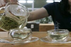 Green tea drinkers show lower cancer risks:study