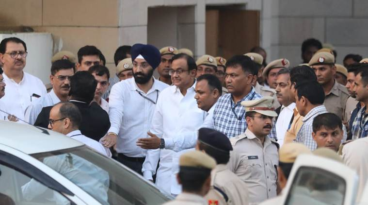 SC lawyers protest denial of urgent hearing for Chidambaram - The Indian Express thumbnail