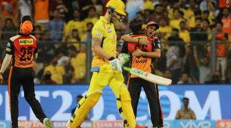 IPL 2018 Final Live Cricket Score CSK vs SRH Live Score:  CSK lose Du Plessis, under pressure in early overs