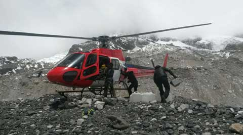 Everest_Helicopter_AP_1