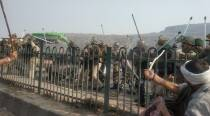 Tear gas, lathicharge at Singhu border as farmers breach police barricades
