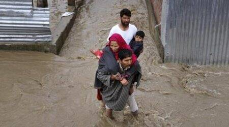 J&K flood, Kashmir flood, Srinagar flood, Flashflood in J&K, Jhelum river, J&K flood alert, Jammu and Kashmir, J&K flood relief, J&K newsm J&K weather, Kashmir weather