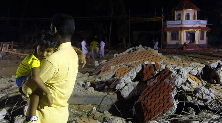 kerala temple fire, kerala fire, puttingal temple, kolllam temple, kerala kollam temple, kerala news today, kollam paravoor, kollam temple fire, Puttingal Devi temple fire, Paravur temple fire, kerala temple fire updates, india news, kerala news, latest news