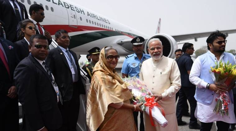 Narendra Modi, Sheikh Hasina, India, Bangladesh, India-Bangladesh relations, Hasina's four-day visit, Modi breaks protocol, sushma swaraj, teesta water sharing issue, teesta river, india news, Indian express
