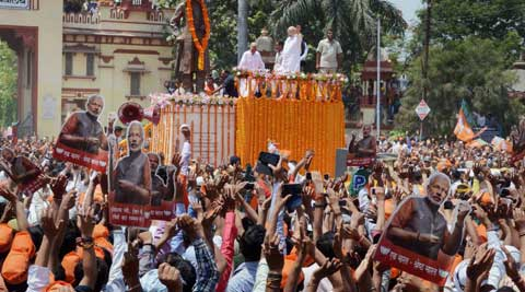 Elections 2014 LIVE: Narendra Modi displays show of strength in Varanasi; PM dismisses Modi-wave